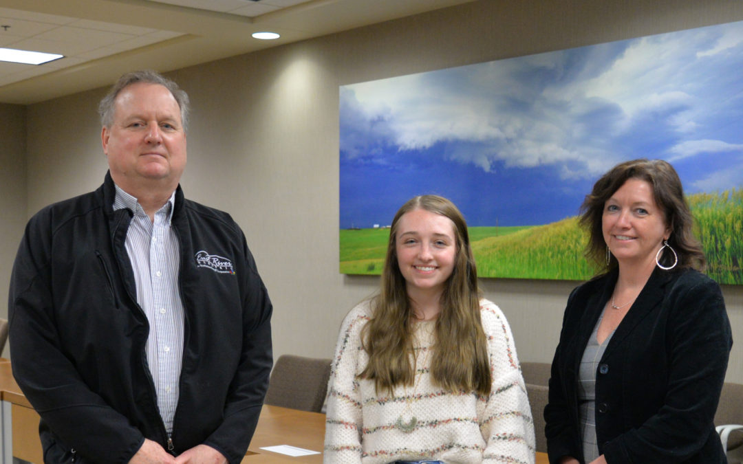 Emma Neises Receives $1,000 Basin Electric Scholarship